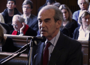 Robert Badinter, le meilleur procureur contre Robert