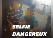 Ce selfie dangereux lui a valu une interdiction à vie dans un stand de