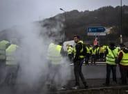 Gilets jaunes: mort d'une manifestante tuée en Savoie après la panique d'une