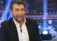 Pablo Motos ('El Hormiguero'), con muletas tras romperse la fascia