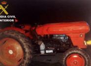 Sin puntos, sin luces, sin seguro, hasta arriba de drogas y en tractor: el caso más sinvergüenza que se recuerda en
