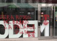 Pintadas falangistas en la sede de Podemos en Cataluña: