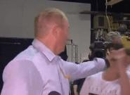 El senador que vinculó el atentado de Christchurch con la inmigración, a tortas con un joven que le dio un