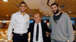 Salah Mejri en compagnie d'un