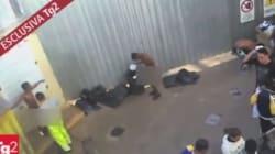Une vidéo choc montre des migrants aspergés de produit contre la gale à