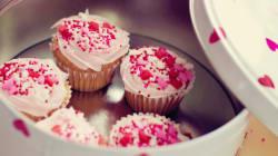Vanilla Cupcakes With Chocolate
