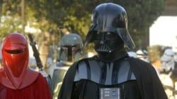 Les personnages de Star Wars défilent dans le centre de