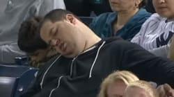 야구장에서 조는 모습 찍힌 야구팬, 1천만 달러