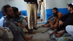 Au Pakistan, la cure extrême de drogués enchaînés comme