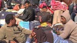Tirs, réfugiés bloqués et bagages abandonnés, la confusion règne à la frontière tuniso-libyenne