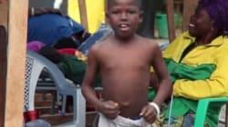 에볼라 바이러스에 감염된 소년의 흥겨운
