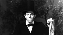 존 포드의 젊은 링컨, 울타리에 선 한
