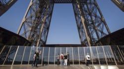 La tour Eiffel s'offre une cure de rajeunissement et un plancher de verre