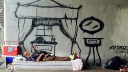 Un artiste de rue humanise les itinérants en peignant leurs rêves