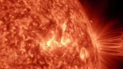 태양 흑점 폭발을 타임랩스 동영상으로