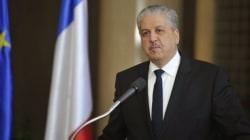 Après un long silence officiel, Sellal confirme de Paris l'hospitalisation de Bouteflika en