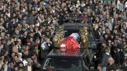 Des milliers de Palestiniens enterrent Abou Eïn, Israël dit