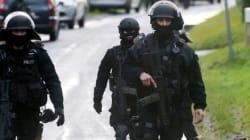 Charlie Hebdo: Les suspects de la tuerie traqués par la