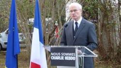 Hommage aux victimes à l'Ambassade de France