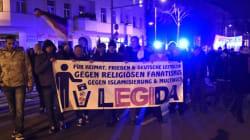 Keine Gewalt! Für das friedliche Demonstrationsrecht in