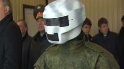 Όταν ο Πούτιν συνάντησε το στρατιωτικό «μηχανόβιο»