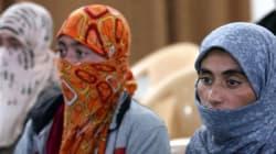 Συρία: Γυναίκα επέζησε από τον λιθοβολισμό της από τους