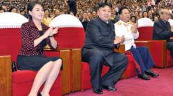 북한서 '리설주 패션' 하이힐·미니스커트
