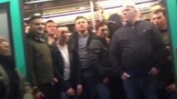 Un passager noir du métro parisien expulsé par des supporteurs de