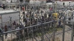 Απελευθερώθηκαν οι πρώτοι 30 μετανάστες της