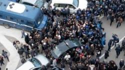 Alger, entre place Audin et la Grande Poste, police partout et zorna à tous les