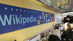Wikipedia και Διεθνής Αμνηστία συνασπίζονται και καταθέτουν αγωγή κατά της ΝSA για τις