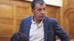 «Μόνο μέσα στους φασίστες θα βρει χειροκροτητές» δηλώνει ο Θεοδωράκης για τον Παρασκευόπουλο και την κόντρα με τη