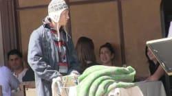 Κοινωνικό πείραμα: Ένας άστεγος μετατρέπεται σε πλούσιο με Ferrari και ξαφνικά όλοι τον βλέπουν