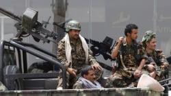 Des centaines d'étrangers évacués du Yémen, le président restera à