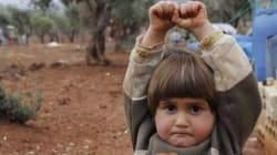 Ο φωτογράφος που έκανε το διαδίκτυο να δακρύσει λέει πως έβγαλε τη φωτογραφία με την μικρούλα που