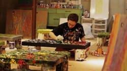 Ο τυφλός ζωγράφος που βοηθά τον κόσμο μέσα από τα συγκλονιστικά έργα