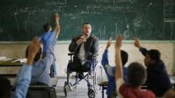 Ahmed Al-Souafiri, triple amputé, enseigne la vie aux enfants de