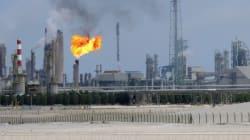 Le pétrole chute, plombé par l'offre américaine et