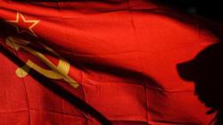 Η Ουκρανία «σβήνει» κάθε ίχνος του σοβιετικού παρελθόντος της. Απειλείται το Κομμουνιστικό