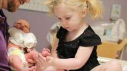 Από την χαρά ως την τσαντίλα: 32 φωτογραφίες παιδιών που αντικρίζουν για πρώτη φορά τα νεογέννητα αδέρφια
