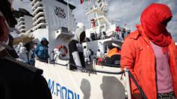 700 παράτυποι μετανάστες διασώθηκαν στις Ιταλικές