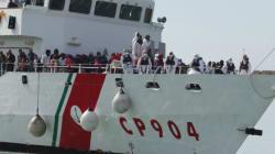 Ιταλία: Δουλέμπορος έριξε στους καρχαρίες πτώμα