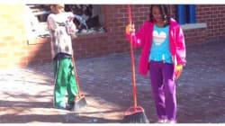 Παιδιά καθαρίζουν τους δρόμους της Βαλτιμόρης μετά τα βίαια