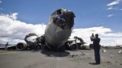 La coalition arabe bombarde l'aéroport de