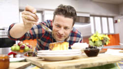 O Jamie Oliver βρίσκεται στην Ελλάδα (και τρώει