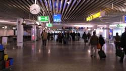 Γαλλία: Ερωτευμένος πήρε τηλέφωνο για «βόμβα» στο αεροδρόμιο για να μη χάσει την πτήση η κοπέλα