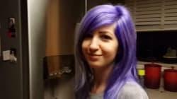 내 여자친구의 머리카락 색이 계속