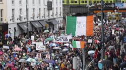 Επτά χρόνια μετά οι δημόσιοι υπάλληλοι της Ιρλανδίας παίρνουν αύξηση