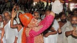 Ο Ινδός εκατομμυριούχος που τα παράτησε όλα για να γίνει
