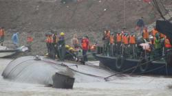 [허핑턴포스트 현지 르포] 중국 정부는 양쯔강 구조 작업을 계속하지만, 희망은 거의